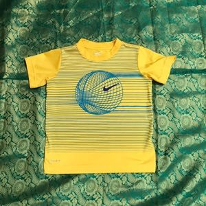 Nike shirt for boys 3-4 years old